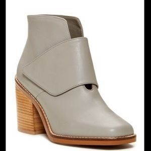 NIB Shellys London Alizia light Gray Velcro flap